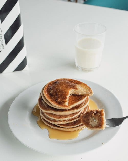 Vegan banana pancakes recipe
